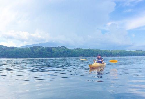 御所湖広域公園のカヌー体験